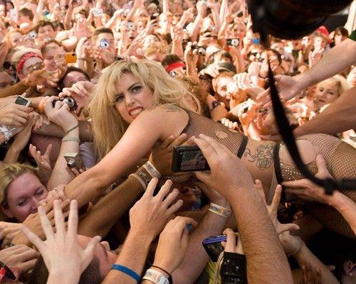 dailybest « E' ufficiale: Lady Gaga è italiana [video]