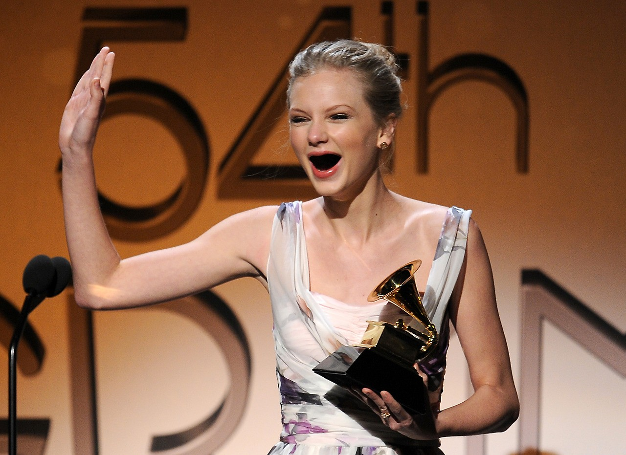 Taylor Swift reacts to winning a Grammy