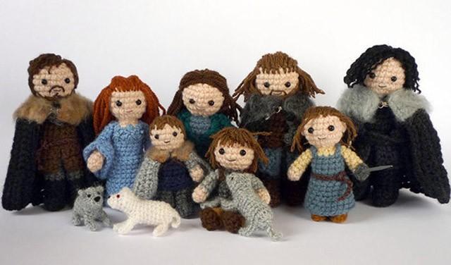starks-winterfell-crocheted-dolls