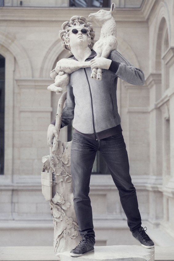 classical-sculptures-hipsters-6