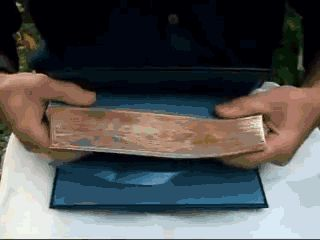 fore-edge-painting-fanning-animated-gif