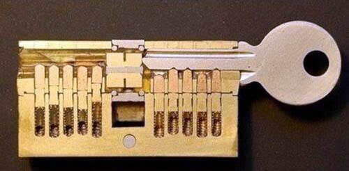 split-in-two-key-lock