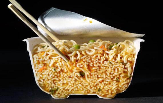 split-in-two-ramen-noodles