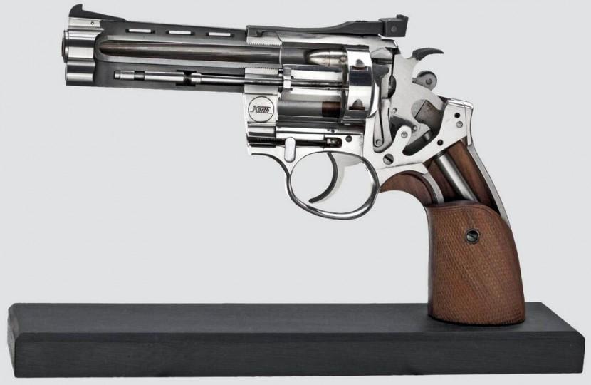 split-in-two-revolver-830x540