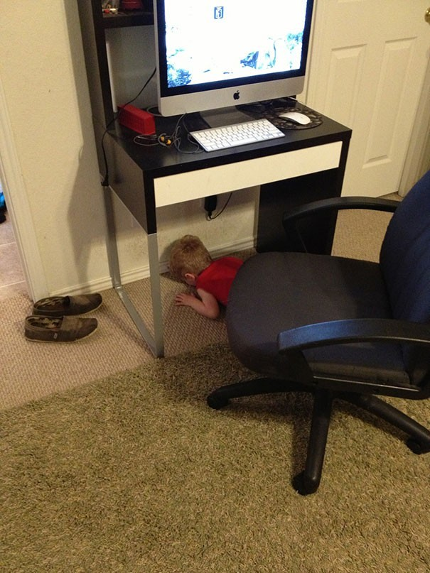 hide and seek funny kids 15