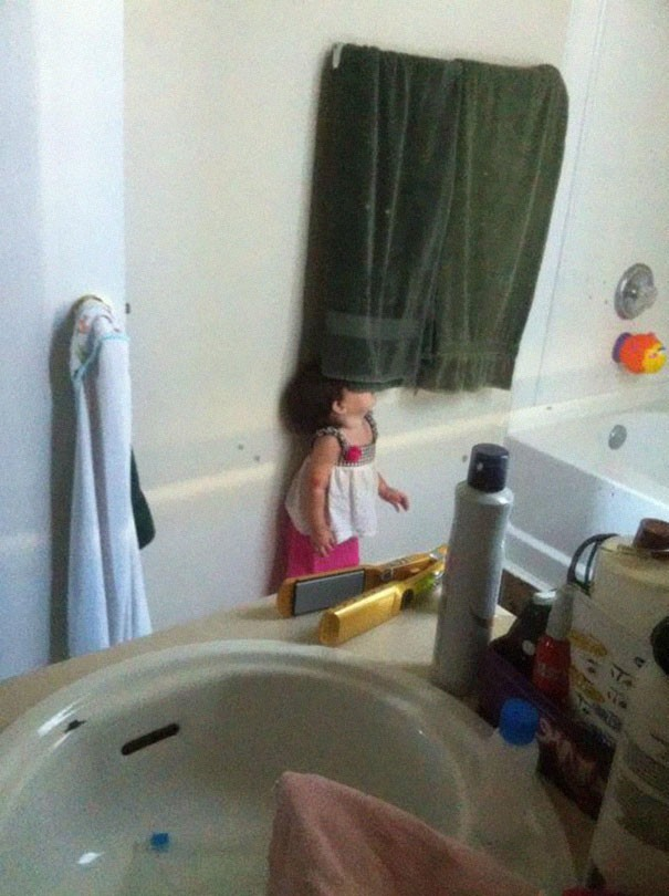 hide and seek funny kids 24