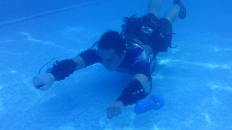 x2-underwater-jetpack-prototype-top