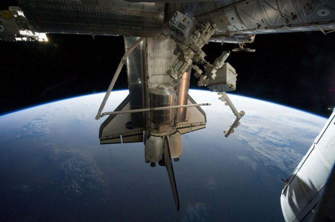 nasa toasts gravity with real life images from space 4
