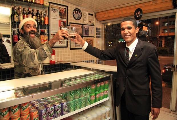 Francisco Fenandes with Barack Obama look-alike.