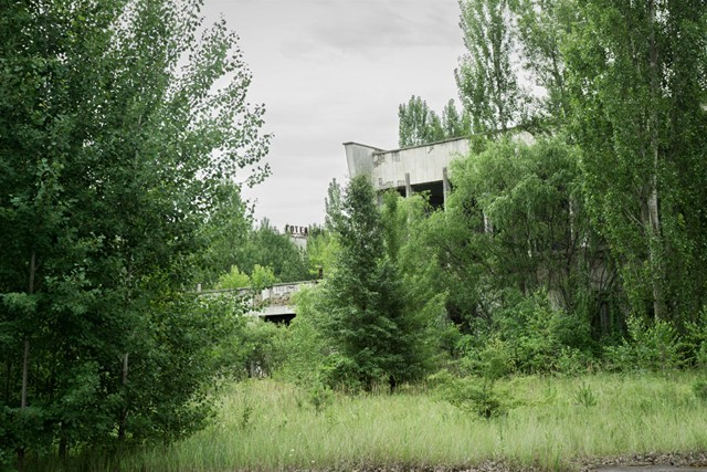 Chernobyl-abandoned-building-2