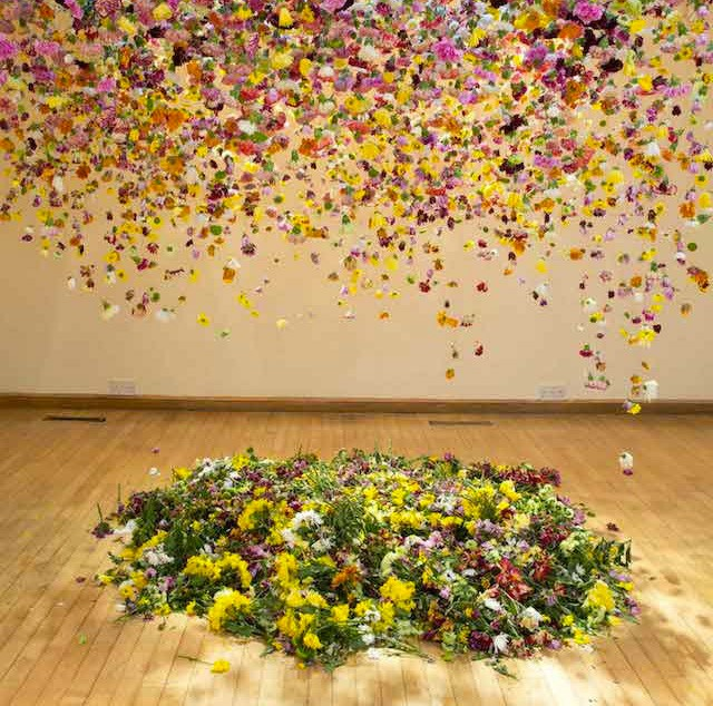 Suspended-Flowers-Installation-1