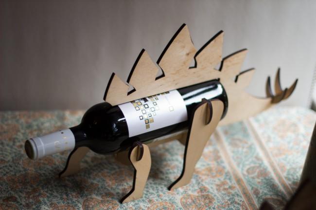 dinosaur-wine-bottle-holders-1-650x433