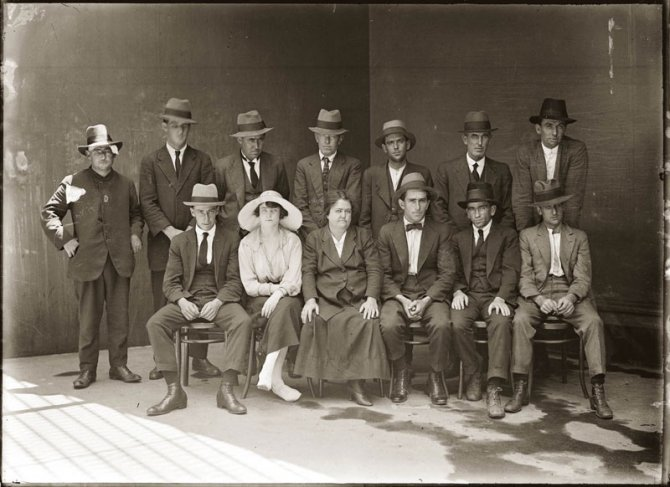 vintage candid mugshots of dapper criminals 1920s 1