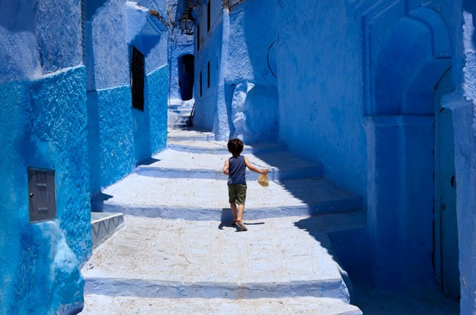 blue streets of chefchaouen morocco 12