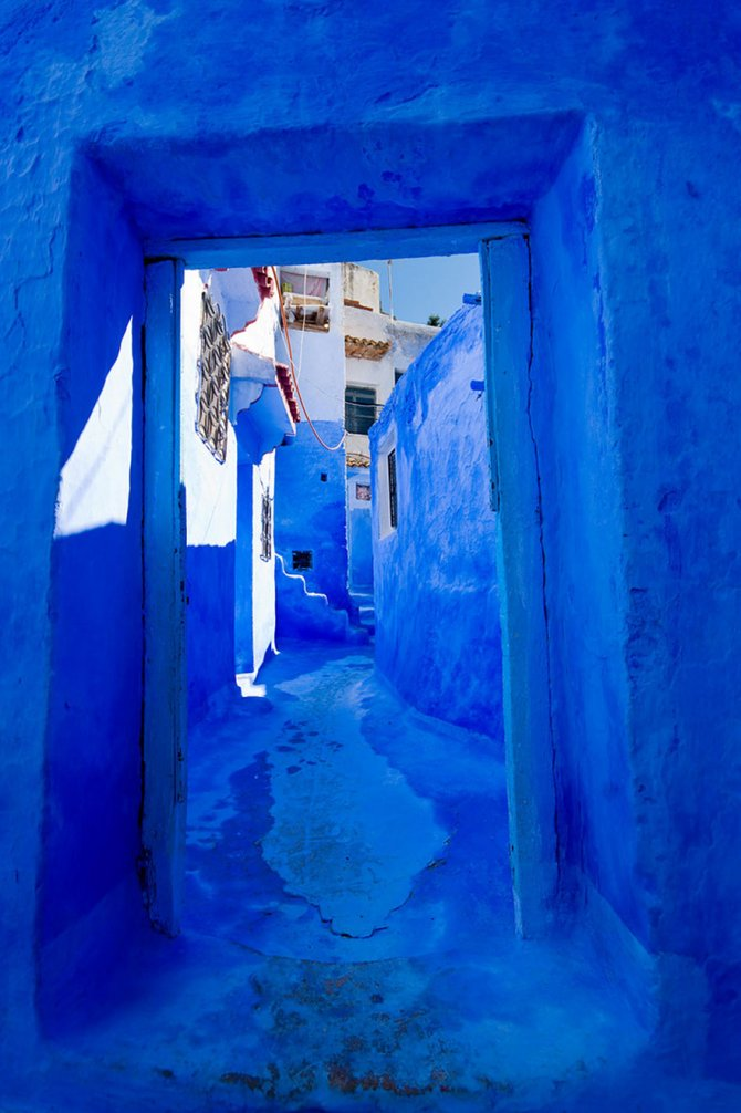 blue streets of chefchaouen morocco 13