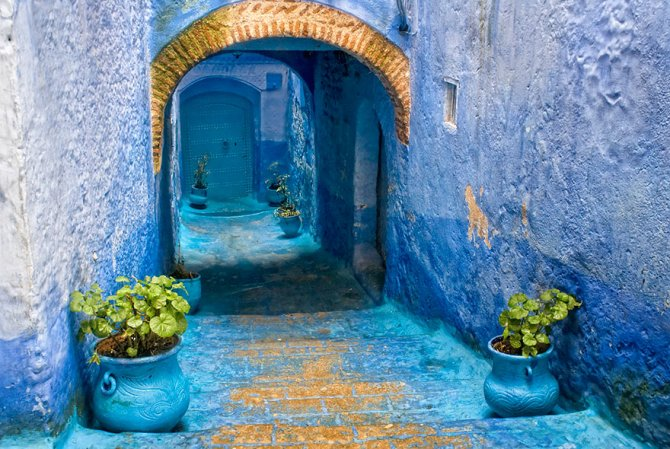 blue streets of chefchaouen morocco 14