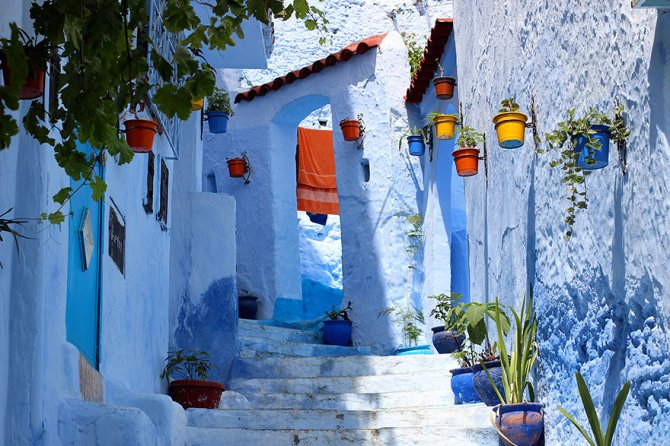 blue streets of chefchaouen morocco 15