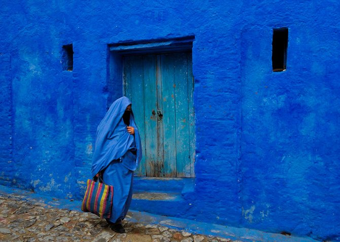 blue streets of chefchaouen morocco 17