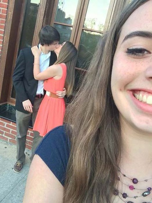 third_wheel_moments_15