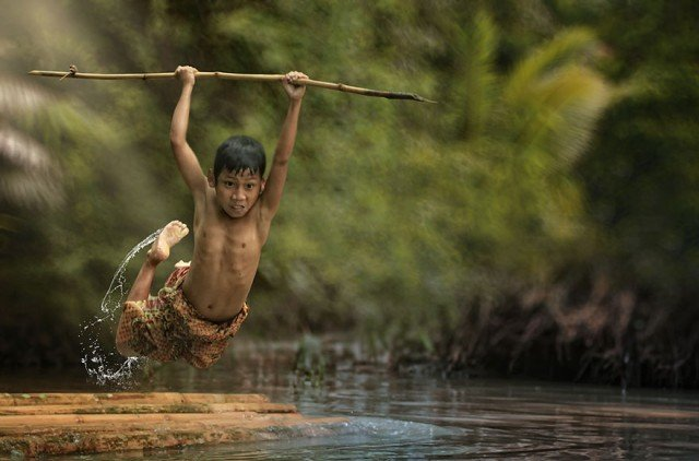 Life In Indonesian Villages Captured by Herman Damar 13 640x422