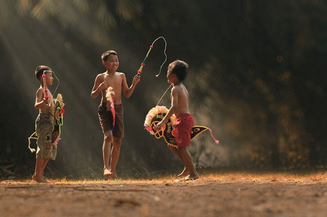 Life In Indonesian Villages Captured by Herman Damar 14 640x426