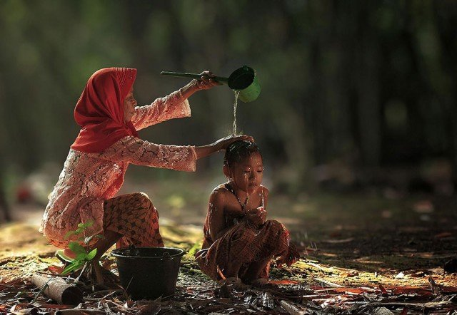 Life In Indonesian Villages Captured by Herman Damar 15 640x442