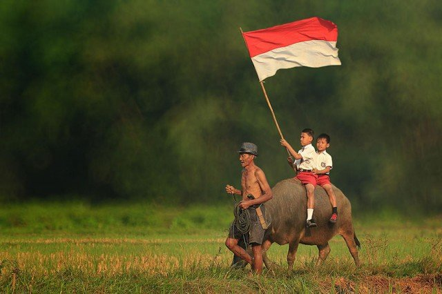 Life In Indonesian Villages Captured by Herman Damar 16 640x426