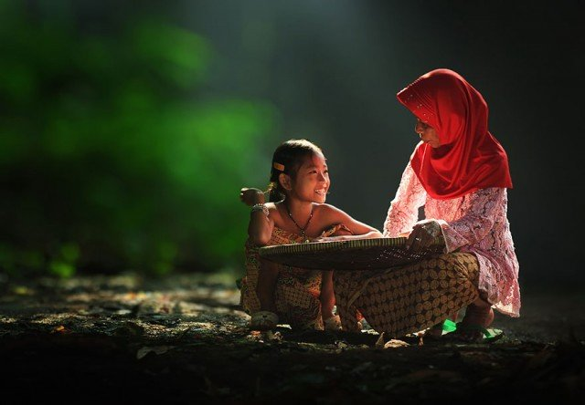 Life In Indonesian Villages Captured by Herman Damar 2 640x444