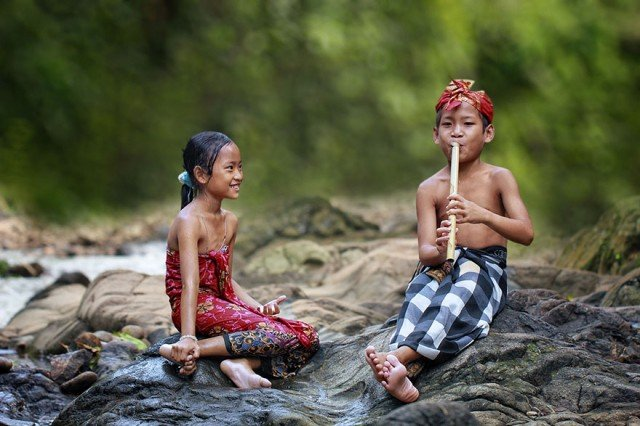 Life In Indonesian Villages Captured by Herman Damar 4 640x426