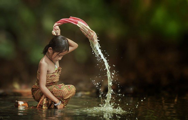 Life In Indonesian Villages Captured by Herman Damar 6 640x409