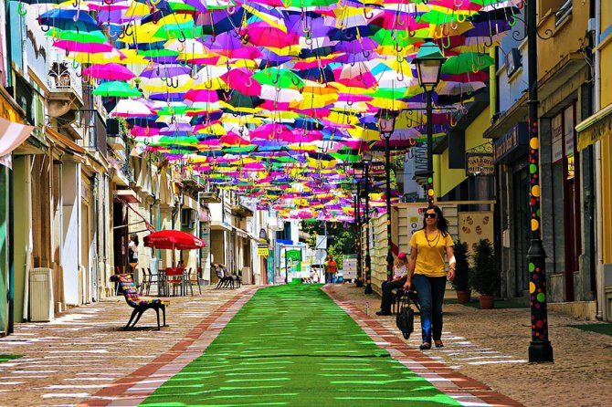 floating umbrellas agueda portugal 2014 1