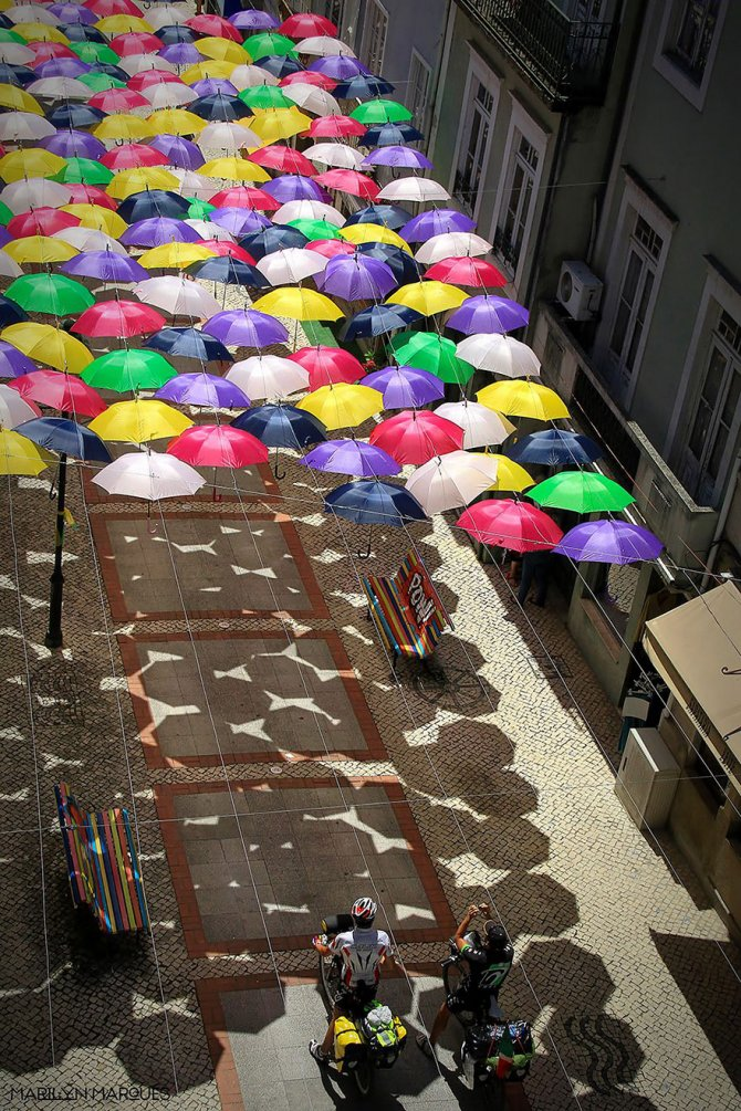 floating umbrellas agueda portugal 2014 14