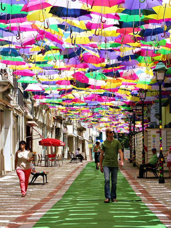 floating umbrellas agueda portugal 2014 4