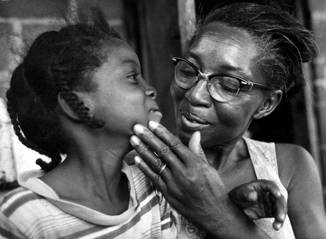 mothers childhood photography family ken heyman 17