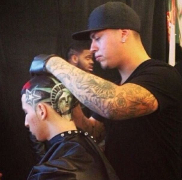 the artsy barber who gives the coolest haircuts 640 07