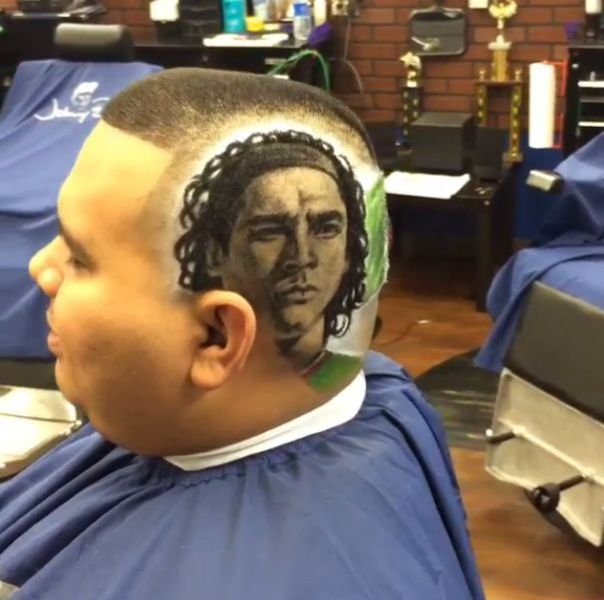 the artsy barber who gives the coolest haircuts 640 23