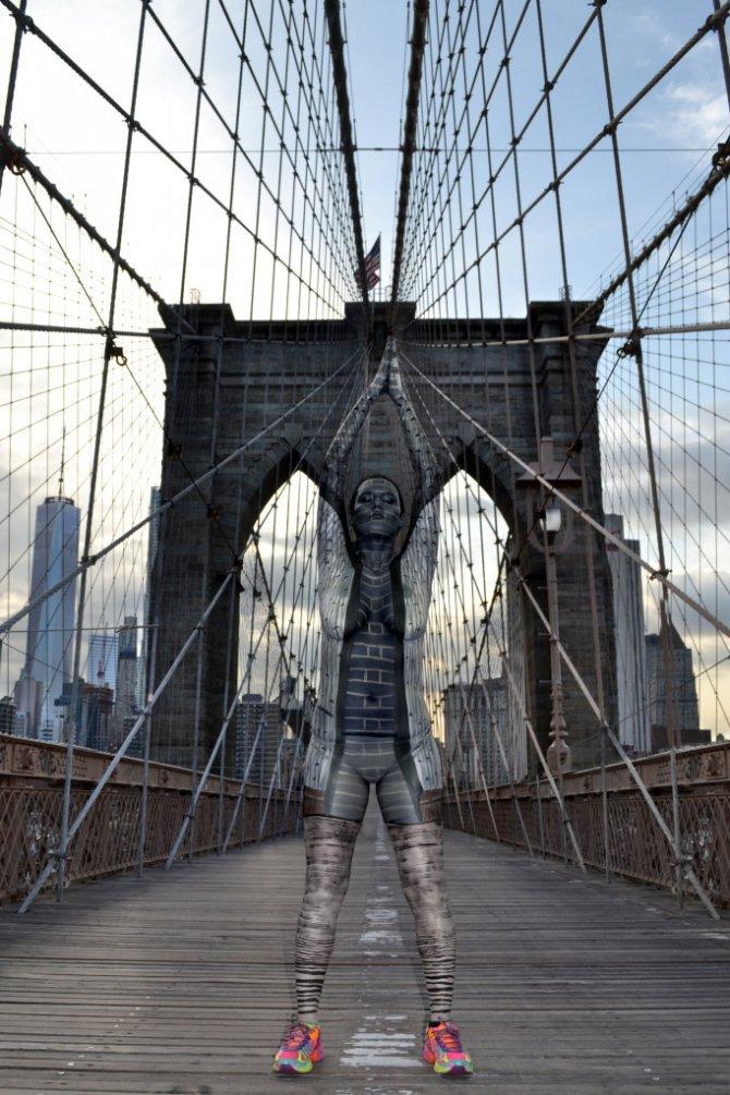 Tina-Merry-New-York-Body-Painting-brooklyn-bridge
