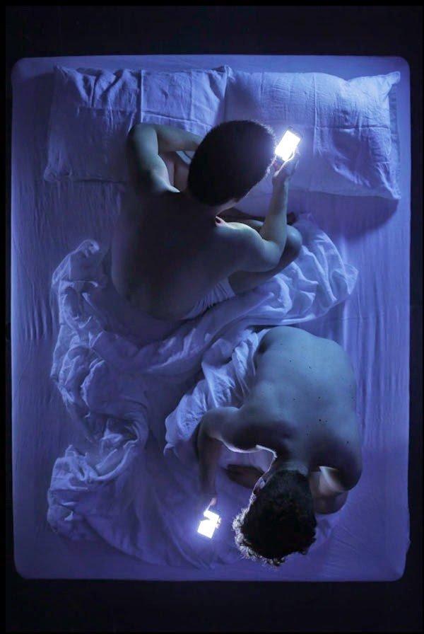 lume candela tecnologico coppia letto 4