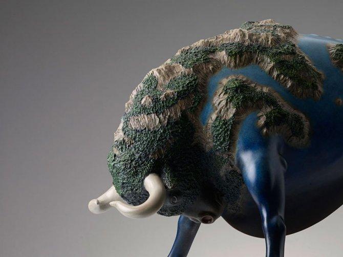 sculture surreali animali mondo spalle schiena 5