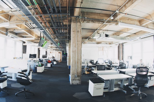 Inside-Medium-Office_6-640x426