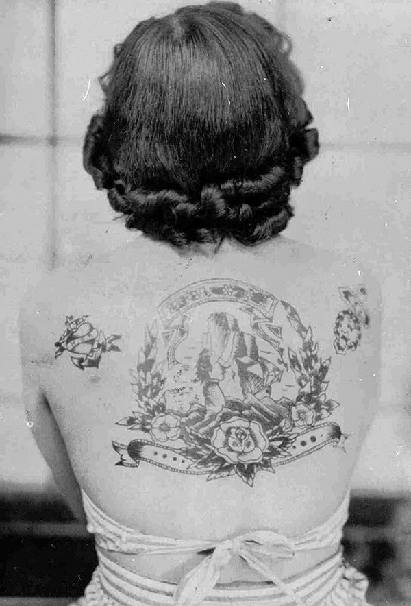 Vintage Women with Full Body Tattoos (1)