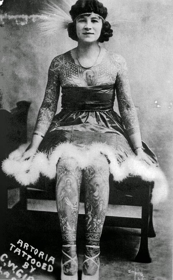 Vintage Women with Full Body Tattoos (18)