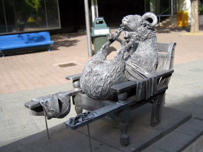 statue18