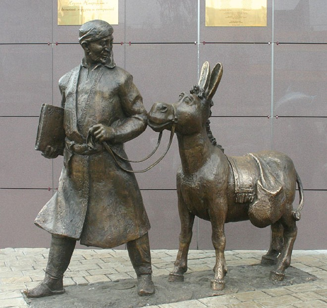 strange-monuments-in-Moscow-Russia