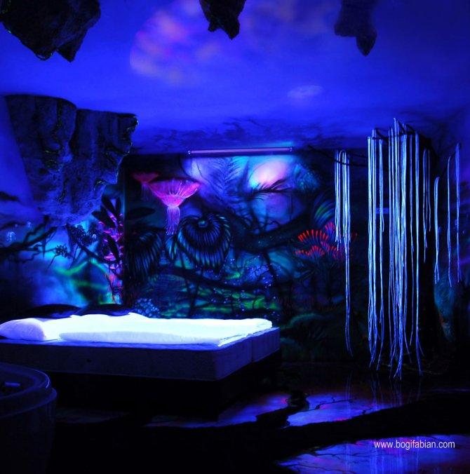 Glowing murals by Bogi Fabian11 880