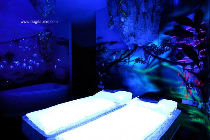 Glowing murals by Bogi Fabian12 880