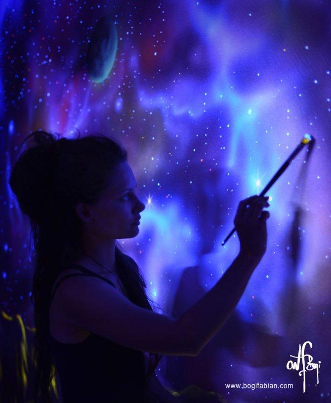 Glowing murals by Bogi Fabian3 880