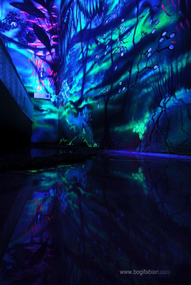 Glowing murals by Bogi Fabian4 880