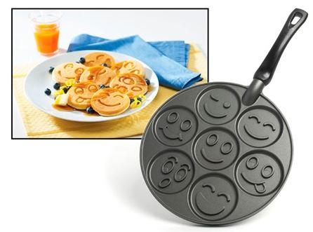 smiley-pancake-pan