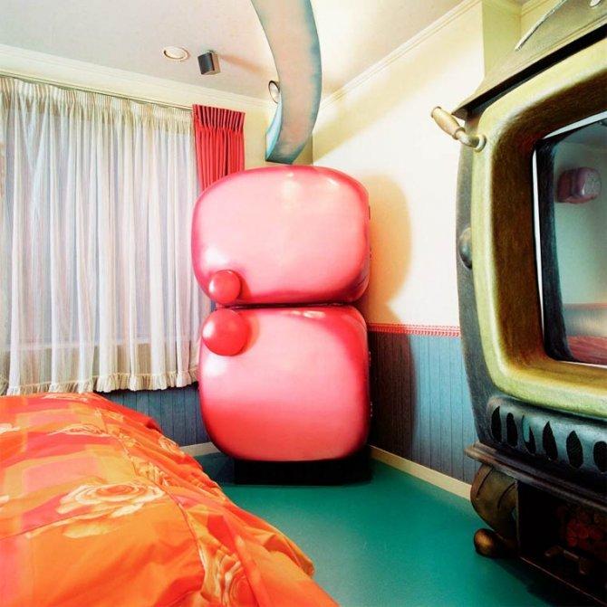 Love Hotels Misty Keasler 3